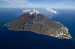 Stromboli et son volcan, îles éoliennes (ME)